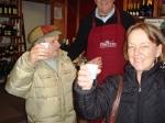 photo, sampling vino sfuso in Venice wine shop
